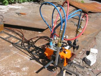 газорежущая машина Смена-2М - установка на рельсы